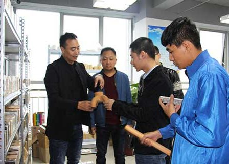 Vietnamese Customers Visiting Refractory Bricks Materials